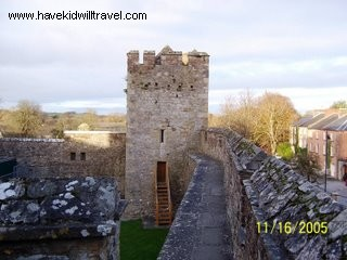 cahir Castle, Cahir Castle and Town, Ireland, Ireland scenery, castles in Ireland