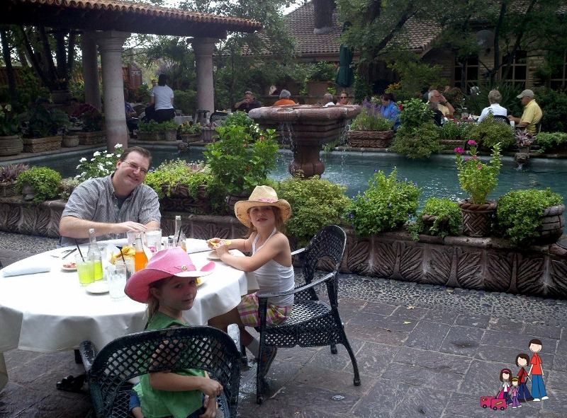 Poolside Dining at Joe T Garcia's, Fort Worth