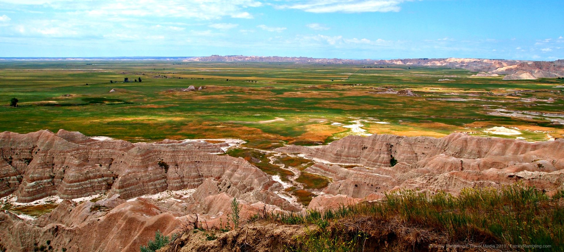 The Contrasts of Badlands National Park in South Dakota - Family ...