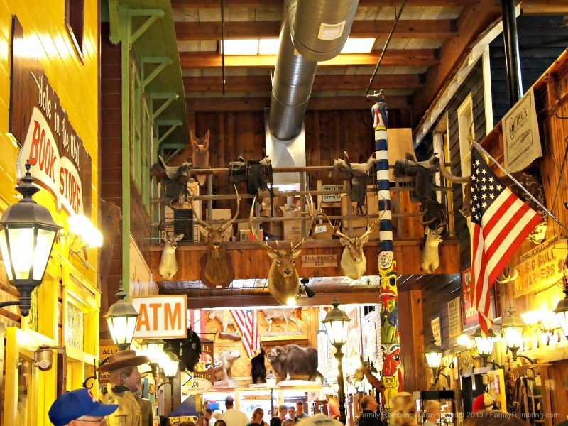 Visiting Wall Drug : Prairie Kitsch of Presidential Proportions