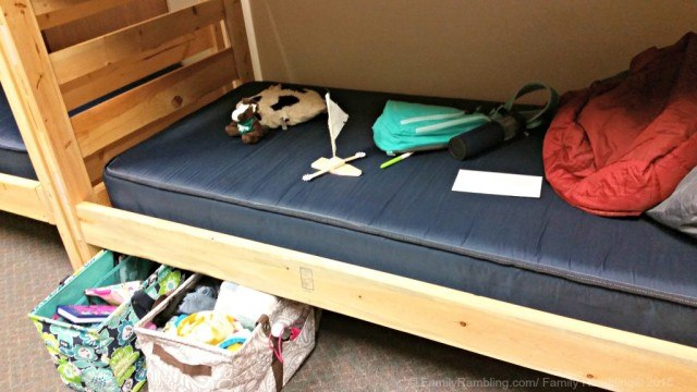 Summer camp packing tips: open top totes work! No summer camp sloppiness! #31travel #31uses