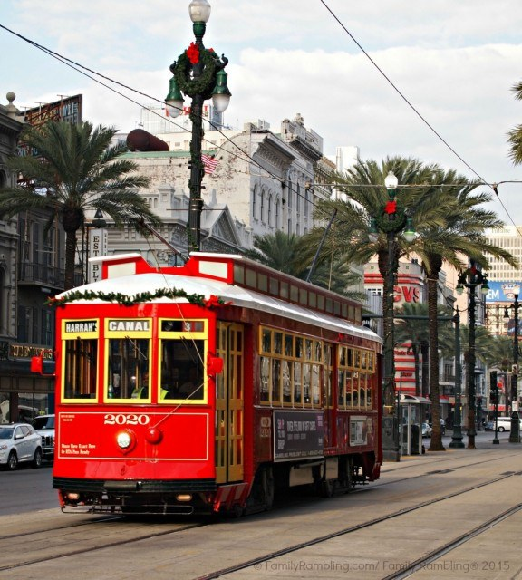 New Orleans Street Car at Christmas. New Orleans Christmas travel tips.