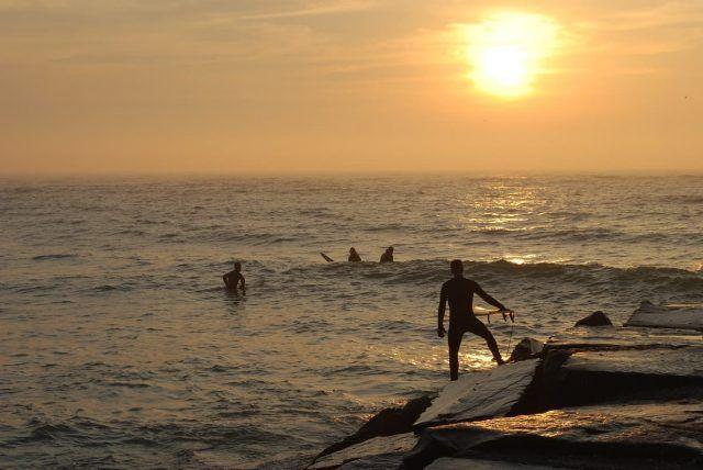sunset_surfing_Sheboygan_Wisconsin