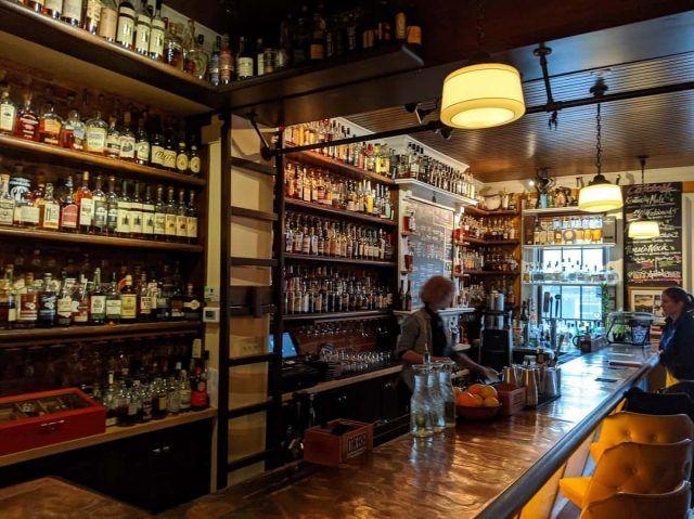 Old_Kentucky_Bourbon_Bar_MeetNKY