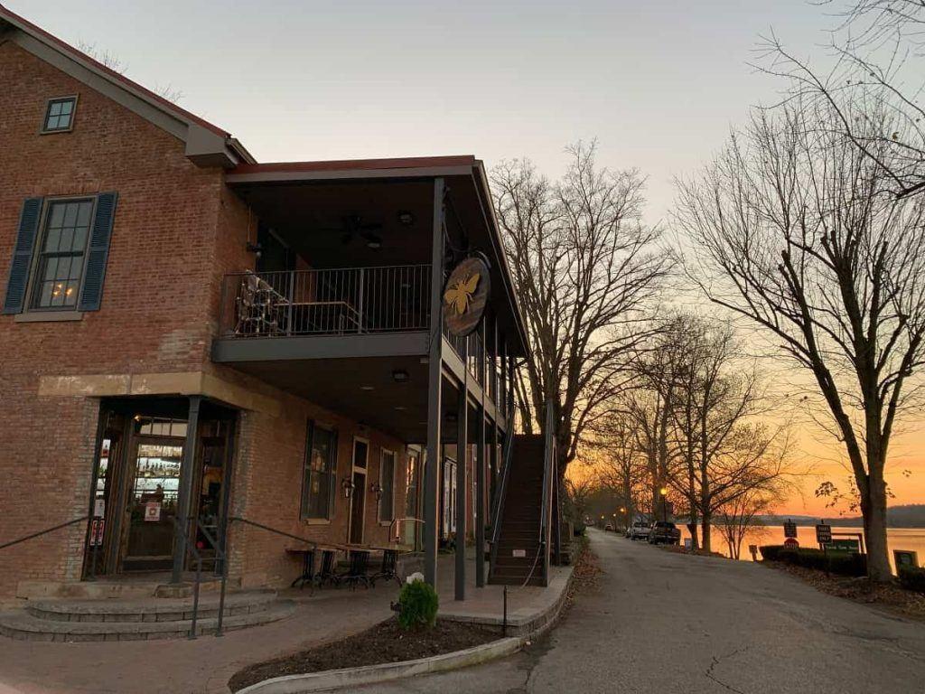 Beehive_Augusta_Tavern_The_B_Line_Northern_Kentucky