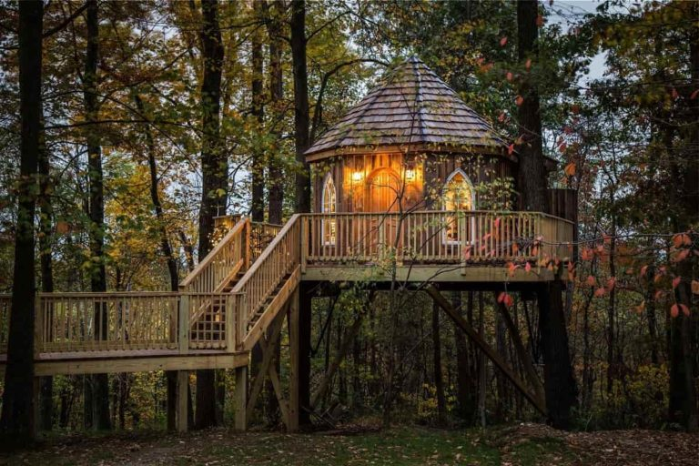 Fall Getaway Spotlight: The Mohicans | Exploring the Midwest Podcast Episode 30