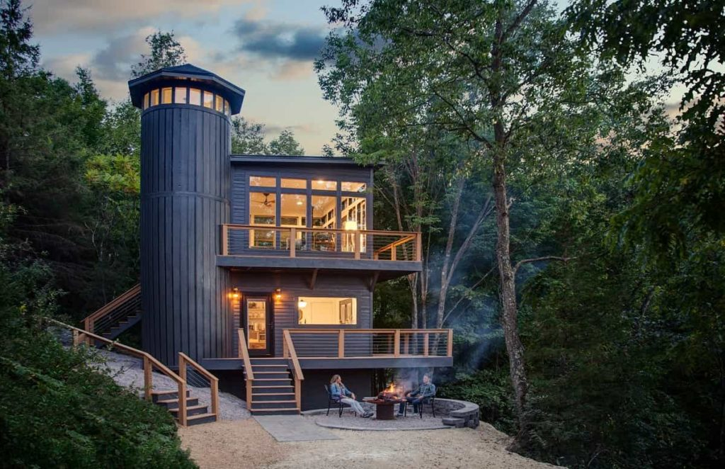Anaway_Place_Wisconsin_woodland house photo_cred_peter_godshall_exterior